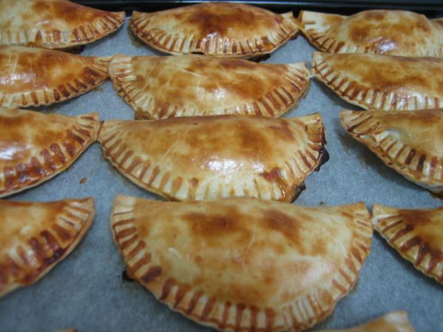 Empanadillas al horno rellenas con carnes del cocido las recetas de dela - Carnes rellenas al horno ...