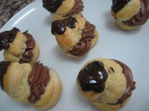 15 300x225 Profiteroles de Chocolate