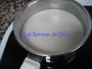 31 Hojaldre Relleno de Crema de Horchata