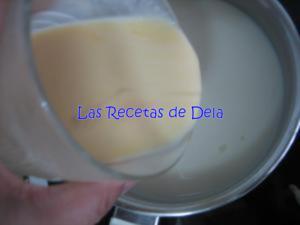 61 Hojaldre Relleno de Crema de Horchata